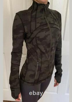 Lululemon Size 4 Define Jacket Luon Camo Green HE6T Full Zip LS Run Speed Yoga