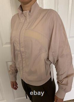 Lululemon Size 8 Serve It Jacket Muse MUUS Zip Up Forme Define HighNeck Light