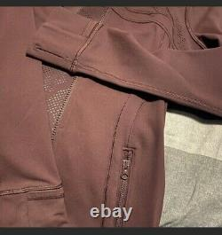 Lululemon Définir Veste Taille 8 Maroon / Bourgogne Avec Thumbholes