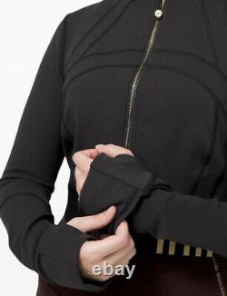 Rare Lululemon Se Définir Veste Cropped Gold Size 12 Black Gold T.n.-o.